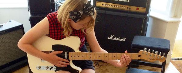 Guitar lessons Darlington