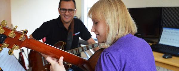 beginners guitar teachers